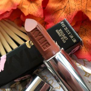 Kylie Cosmetics - Dulce De Leche Lipstick
